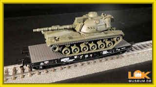 Trix H0 24214 Schwerlast-Flachwagen der DB mit M 48 Panzer